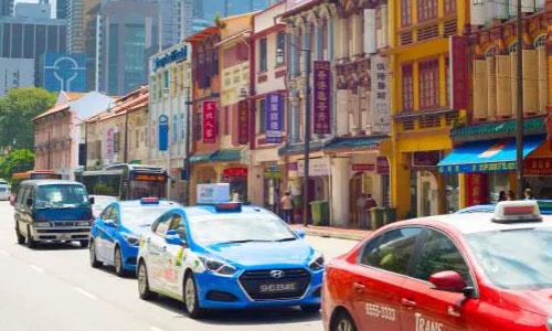 Đi taxi là cách thuận tiện để tham quan vòng quanh thành phố, chỉ cần bạn có sẵn tiền mặt. Ảnh: News.