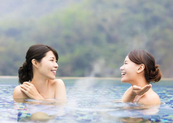 Tắm onsen rất phổ biến ở Nhật Bản