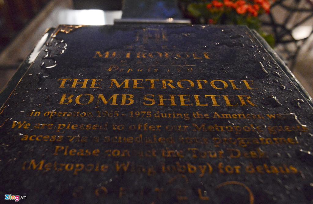 Tour khám phá và tìm hiểu về lịch sử của căn hầm, cũng như những giai đoạn quan trọng của khách sạn huyền thoại này trong giai đoạn ác liệt của cuộc chiến tranh hiện mỗi ngày có 2 chuyến vào lúc 17h và 18h hàng ngày, chỉ dành cho khách thuê phòng tại Metropole, nhà nghiên cứu...