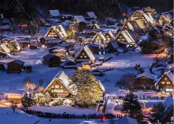 Những ngôi làng đẹp như cổ tích ở Shirakawa - Ảnh: Live Japan
