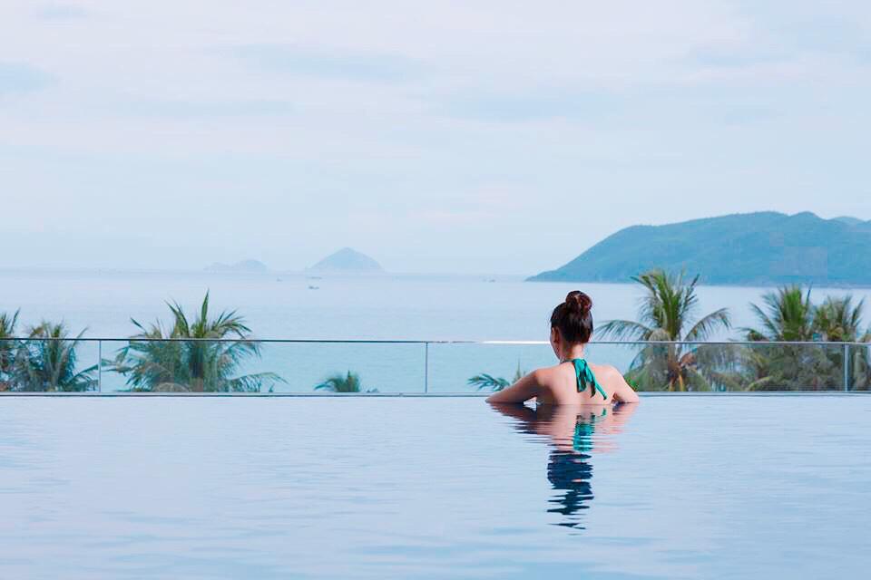 3N2Đ ở Queen Ann Nha Trang + vé máy bay khứ hồi chỉ 2.799.000 đồng/khách – iVIVU.com