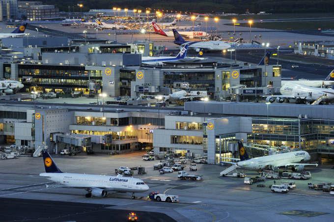 10. Frankfurt, Đức  Phục vụ 98 hãng hàng không bay tới hơn 250 điểm đến trên thế giới, ở 105 quốc gia, Frankfurt là cái tên đứng thứ 10 trong danh sách những sân bay tốt nhất thế giới. Đây cũng là sân bay lớn nhất ở Đức, đứng thứ ba châu Âu. Ảnh: Local.
