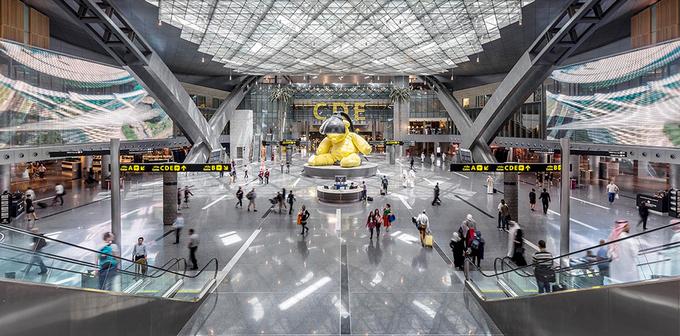 """5. Doha Hamad, Qatar  Sân bay quốc tế Hamad nằm tại thủ đô Doha của Qatar. Nhà ga có sức chứa 30 triệu hành khách mỗi năm, được biết đến với danh hiệu """"cảng hàng không xa xỉ nhất thế giới"""". Đây cũng là """"sân bay tốt nhất Trung Đông"""". Ảnh: Hok."""
