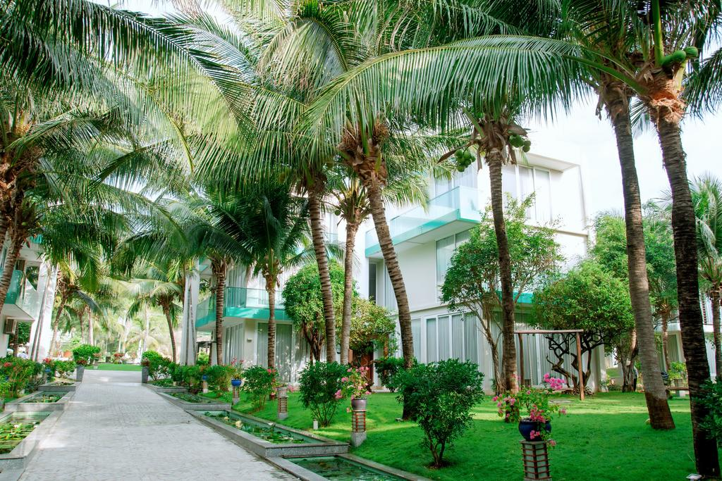 Villa-Del-Sol-Beach-Resort-Spa-Phan-Thiet-ivivu-2