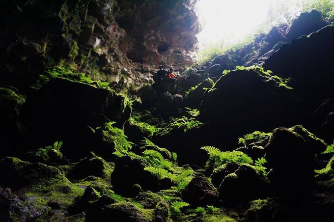 Hệ thống hang động núi lửa ở Krông Nô, tỉnh Đắk Nông được các nhà khoa học khảo sát từ năm 2007. Sau 7 năm nghiên cứu, Bảo tàng Địa chất Việt Nam và Hiệp hội Hang động núi lửa Nhật Bản công bố kết quả cho thấy đây là hệ thống hang động núi lửa có quy mô lớn nhất Đông Nam Á.