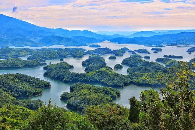 Hướng dẫn du lịch Tà Đùng tự túc: Ngắm trọn 'vịnh Hạ Long' thu nhỏ ...
