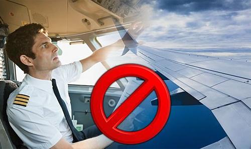 Phần lớn trên các chuyến bay, phi công chỉ gửi lời chào đến hành khách sau lúc cất cánh và hạ cánh. Ảnh: Express.