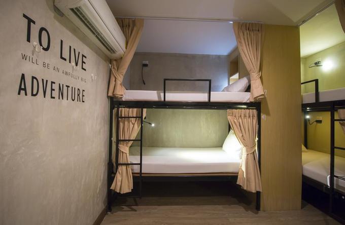 Chọn chỗ ở tốt hơn  Khi vẫn còn lo học hành, loay hoay tìm định hướng, chưa kiếm được nhiều tiền thì du lịch bụi, chỗ ở giá rẻ hay miễn phí luôn là lựa chọn hàng đầu của nhiều người. Khi đã 30 tuổi, rủng rỉnh túi tiền thì việc ở đâu sẽ được ưu tiên. Bạn để ý đến tiêu chuẩn vệ sinh của khách sạn và cảm thấy không thoải mái nếu ở nhờ nhà người lạ (qua các ứng dụng du lịch).