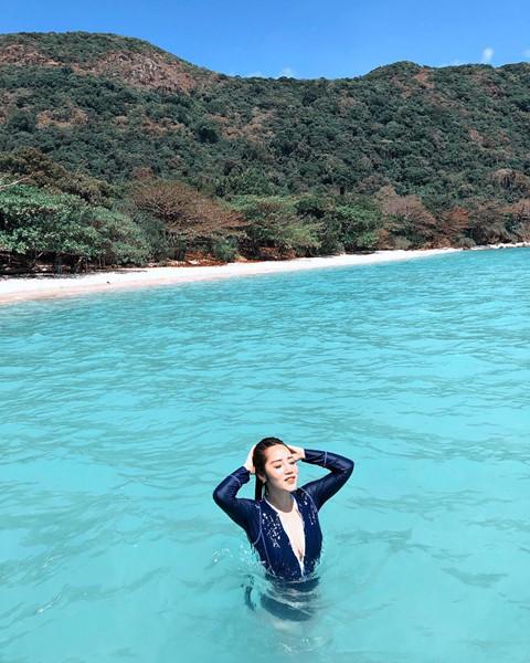 Thiên nhiên tuyệt đẹp: Sở hữu khung cảnh tuyệt đẹp với rất nhiều cây cối và bãi biển xanh ngắt, Côn Đảo xứng đáng điểm đến để bạn có thể tạm rời xa chốn thành thị náo nhiệt, ồn ào và hòa mình vào thiên đường tự nhiên đầy màu xanh. Ảnh: Cjpnguyen, Zeebalife.