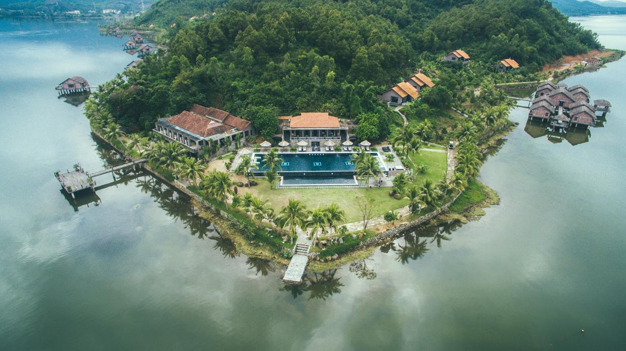 Vedana-Lagoon-Resort-Spa-Hue-ivivu-1