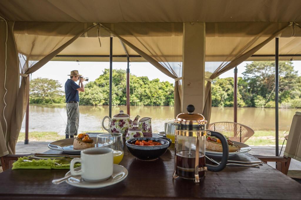 Colombia: Những khu rừng rậm và thành phố với kiến trúc trang nhã của Colombia đang dần quay trở lại trên bản đồ du lịch sang trọng của thế giới. Mới đây, Corocora Camp, khu nghỉ dưỡng nằm trong khu bảo tồn tư nhân trên đồng cỏ rộng lớn của vùng Llanos Orientales được nhiều triệu phú ưa thích. Đây là khu trại đầu tiên có lều dạng safari và các trải nghiệm tập trung vào động vật hoang dã ở Colombia. Ảnh: CNTraveler.