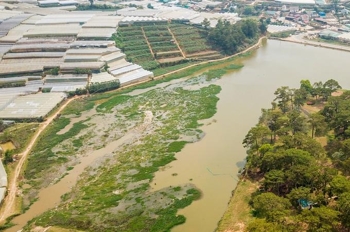 Hồ Than Thở được công nhận Di tích lịch sử văn hóa - thắng cảnh cấp quốc gia vào năm 1999. Hiện nay, do hồ nằm cạnh khu vực sản xuất nông nghiệp, thường xuyên bị bồi lắng nên diện tích hồ bị thu hẹp dần.