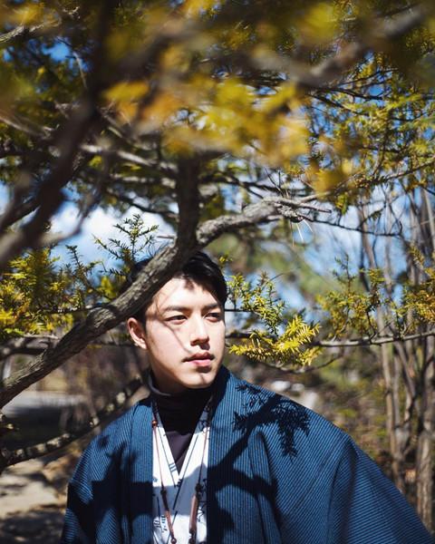 Otaru: Otaru nổi tiếng là thành phố được nhiều người lựa chọn khi du lịch Hokkaido bởi sự xinh đẹp, vẻ trầm mặc, thanh bình. Đến Otaru vào khoảng tháng 4, bạn sẽ trải nghiệm tiết trời se lạnh của mùa xuân và chiêm ngưỡng khung cảnh thơ mộng.