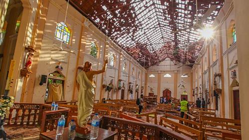 Chưa nhóm nào lên tiếng nhận trách nhiệm về hàng loạt vụ nổ tại Sri Lanka. Ảnh: CBC.