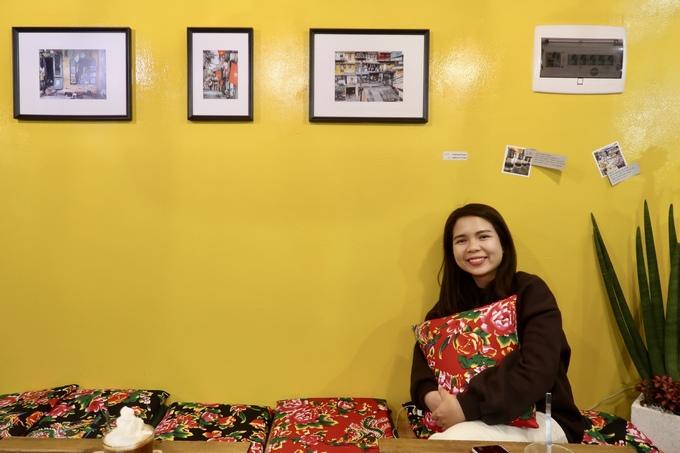 """Hương Nguyễn, một thực khách cho biết giá bánh mì và cà phê ở quán rẻ hơn một số hàng bán đồ Việt tại Seoul khoảng 2.000 won (40.000 đồng). """"Đây là địa chỉ hiếm hoi ở Seoul phục vụ cà phê cốt dừa. Bánh mì giòn to, đầy đặn và nhiều nhân"""", Hương nói."""