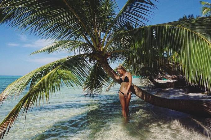 Những cây dừa hướng ra biển là góc sống ảo đẹp khỏi chê.