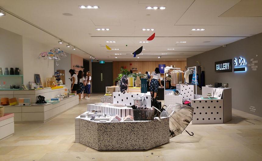 Ẩn mình trong phòng triển lãm quốc gia Singapore là Gallery & Co - nơi bày bán những món hàng nghệ thuật không có ở nơi nào khác.