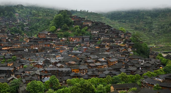 Tây Giang Miêu trại là nơi tập trung đông nhất người dân tộc Miêu (Miao) ở Trung Quốc, với khoảng 6.000 người và hình thành cách đây khoảng 1.700 năm.