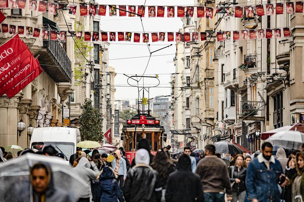 """Hơn 1.200 bức ảnh trưng bày trong triển lãm """"Thổ Nhĩ Kỳ - Huyền thoại có thật"""" tại TP.HCM thu hút đông đảo công chúng yêu du lịch tới xem."""