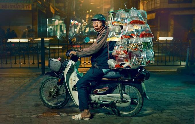 Những người lái xe máy ở Hà Nội dưới ống kính du khách Anh