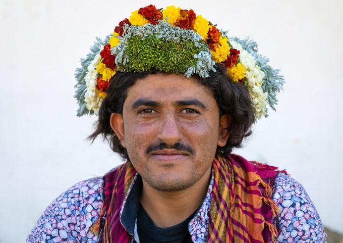 Nơi đàn ông đội hoa trên đầu để làm đẹp và chữa bệnh – iVIVU.com