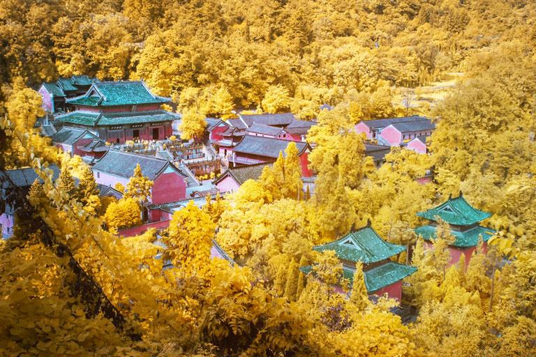 Điện Zixiao là một trong những cung điện được bảo tồn tốt nhất trên núi Võ Đang, và được xây dựng lần đầu tiên trong khoảng năm 1119-1125. Ảnh: China Discovery.