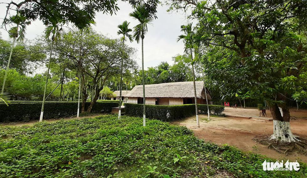 Khu nhà tại làng Hoàng Trù, quê hương của thân mẫu Bác Hồ - cụ bà Hoàng Thị Loan. Cậu bé Nguyễn Sinh Cung chào đời tại đây một sáng mùa hè ngày 19-5-1890 - Ảnh: DOÃN HÒA