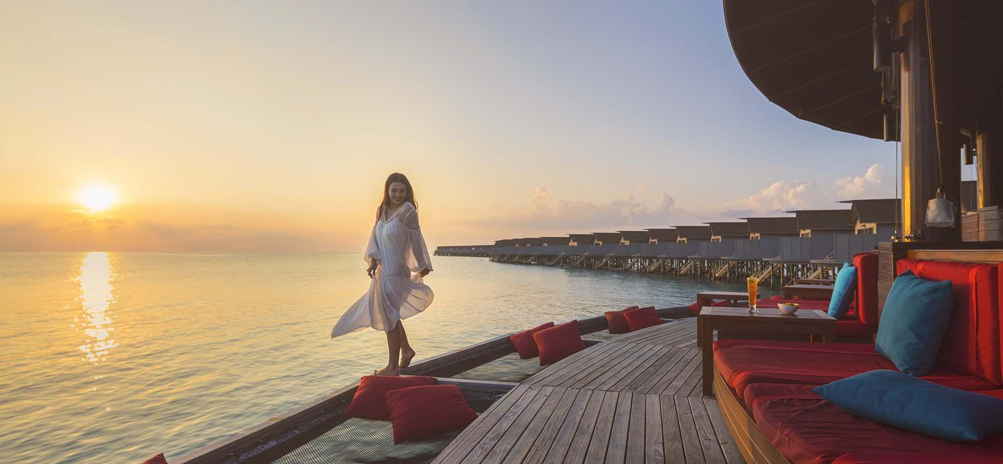 Centara-Ras-Fushi-Resort-Spa-Maldives-ivivu-2