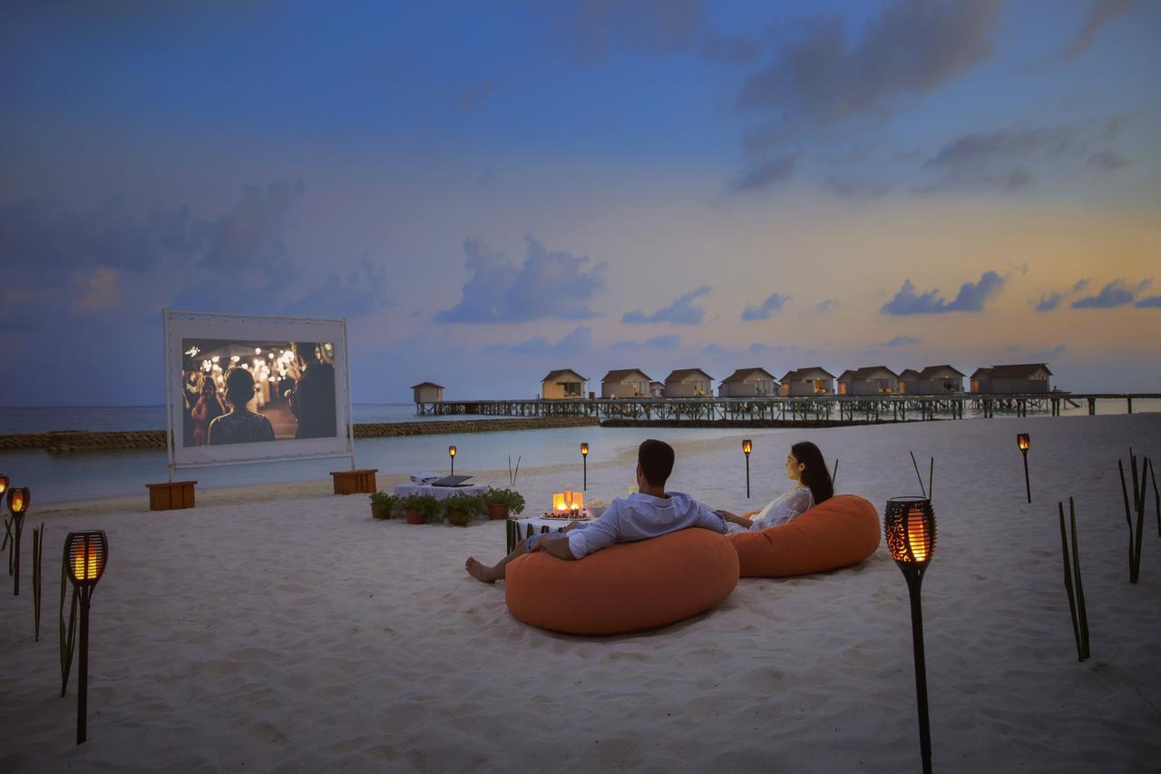 Centara-Ras-Fushi-Resort-Spa-Maldives-ivivu-3