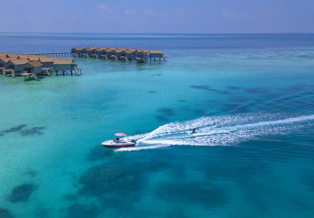 Centara-Ras-Fushi-Resort-Spa-Maldives-ivivu-6