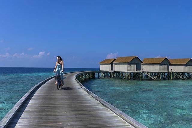 Centara-Ras-Fushi-Resort-Spa-Maldives-ivivu-7
