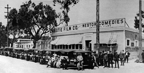 Xưởng phim đầu tiên được thành lập ở Hollywood có tên là Nestor Studio, tọa tạc tại 6121 Sunset Blvd. Ảnh: Pinterest.