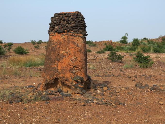 Khu vực luyện kim cổ xưa, Burkina Faso  Di sản văn hóa thế giới mới của Burkina Faso gồm 5 làng và thị trấn thuộc các tỉnh trên khắp quốc gia châu Phi này. Trong đó, Douroula là bằng chứng lâu đời nhất về sự phát triển nghề luyện kim ở Burkina Faso. Những nơi còn lại là Tiwêga, Yamané, Kindibo và Békuy. Mặc dù ngày nay việc khai thác quặng sắt không còn phổ biến, thợ rèn vẫn giữ vai trò quan trọng trong các nghi lễ truyền thống. Ảnh: Corriere.