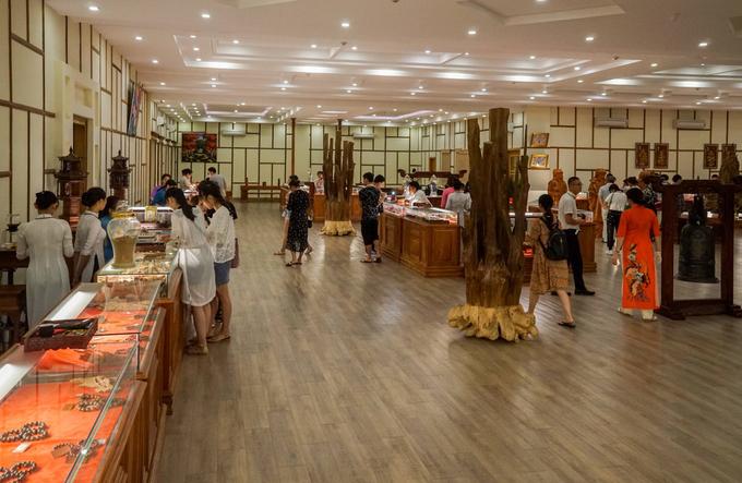 Nhà trưng bày bảo tàng Trầm Hương (xã Phước Đồng, TP Nha Trang, Khánh Hòa) có diện tích khoảng 5.000 m2, hoạt động năm 2017. Đây là bảo tàng tư nhân với kinh phí xây dựng 200 tỷ đồng, nhằm giới thiệu, trưng bày về trầm hương, kỳ nam - đặc sản của tỉnh Khánh Hòa.