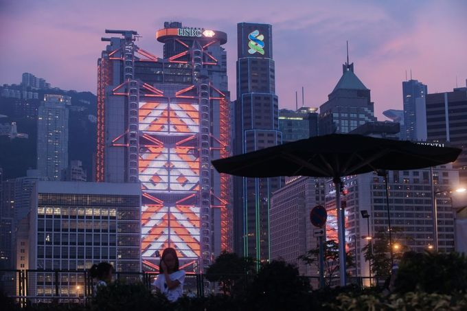 Tòa nhà HSBC Là một thiết kế của công ty kiến trúc Anh Norman + Partners, tòa cao ốc này được xây dựng sau khi tham vấn ý kiến của nhiều chuyên gia. Ảnh: Bloomberg.