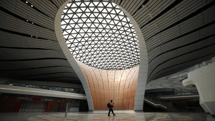 Trả lời Stuff, Yi Wei, Phó giám đốc bộ phận kế hoạch Đại Hưng cho biết sân bay quốc tế Bắc Kinh đã đối mặt với tình trạng hoạt động quá tải công suất trong nhiều năm qua. Vì vậy, việc xây dựng một sân bay mới với quy mô lớn là điều cần thiết. Ảnh: Getty.