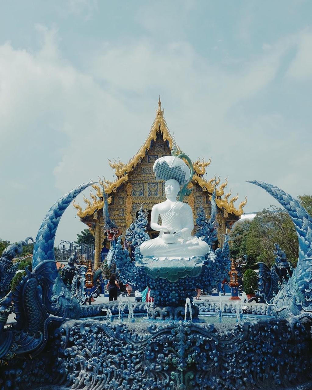 ghe-thai-lan-check-in-song-ao-tai-ngoi-chua-xanh-dat-vang-sang-chanh-ivivu-3