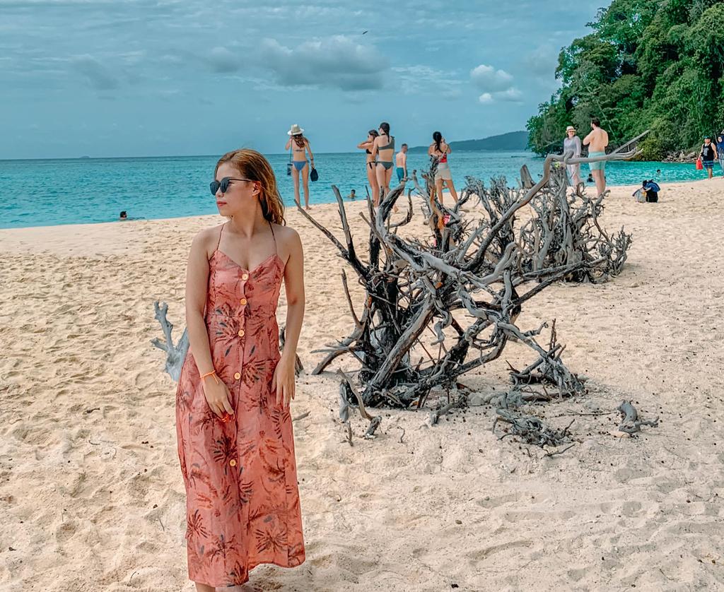 Du khách nên dành lịch trình khoảng 3-4 ngày để khám phá thiên đường biển tại Krabi. Hiện tại, các vùng biển của Thái Lan đang vào mưa, bạn nên theo dõi dự báo thời tiết để lên kế hoạch đi chơi phù hợp.