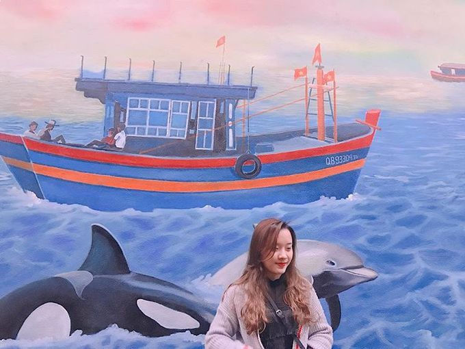 """Cảnh Dương còn được gọi là """"làng cá voi"""" với nghĩa địa cá voi bên bờ biển. Lãnh đạo địa phương đang chuẩn bị triển khai xây dựng không gian trưng bày hai bộ xương cá voi lớn và lâu đời bậc nhất Việt Nam để du khách có thể chiêm ngưỡng. Ảnh: Shynmii."""