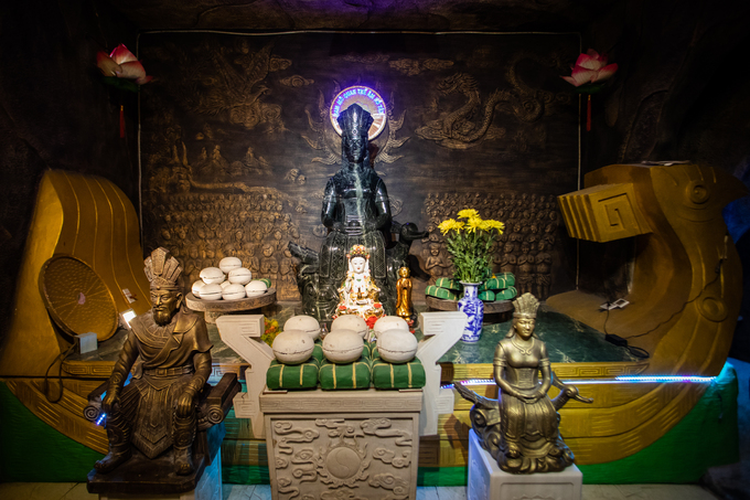 Dấu ấn lịch sử văn hoá dân tộc của chùa được thể hiện rõ trong Đền thờ Mẹ Âu Cơ và Hùng Vương, với hình tượng chim lạc cách điệu và vật phẩm bánh chưng, bánh dày.