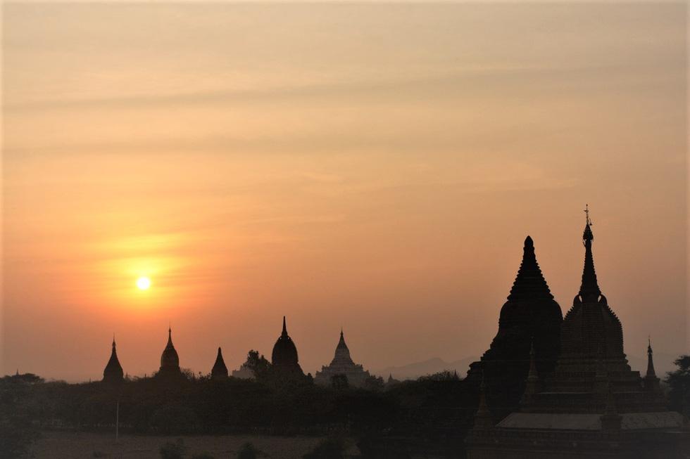 Bình minh ở Bagan - thành phố mới được UNESCO công nhận là Di sản văn hóa thế giới