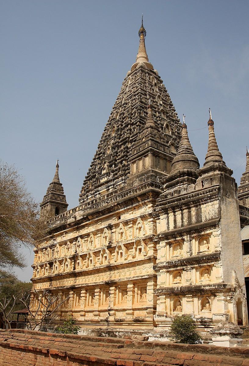 Mahabodhi Paya là ngôi chùa có kiến trúc rất giống với ngôi đền Bồ Đề Đạo Tràng ở Ấn Độ