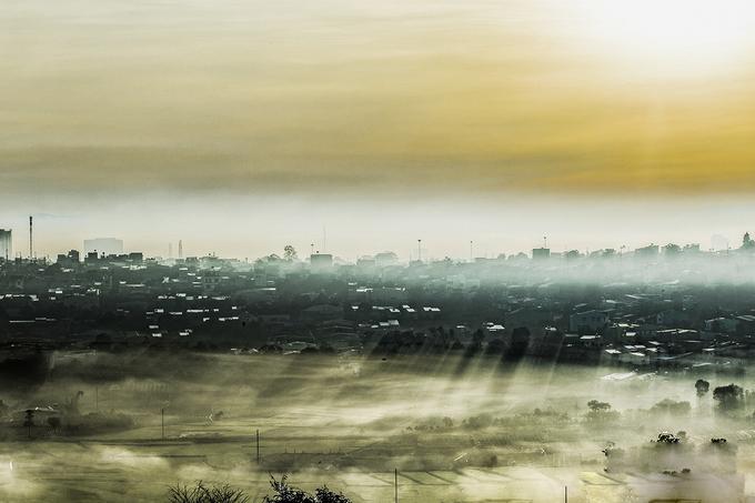 Quang cảnh Pleiku nhìn từ núi Đá, cách trung tâm thành phố khoảng 3 km.