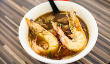 to-mi-tom-quoc-dan-noi-tieng-bac-nhat-singapore-ivivu-1