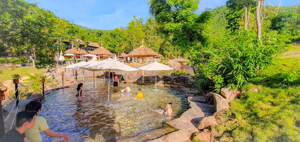 Bach-Ma-Village-Hue-ivivu-5