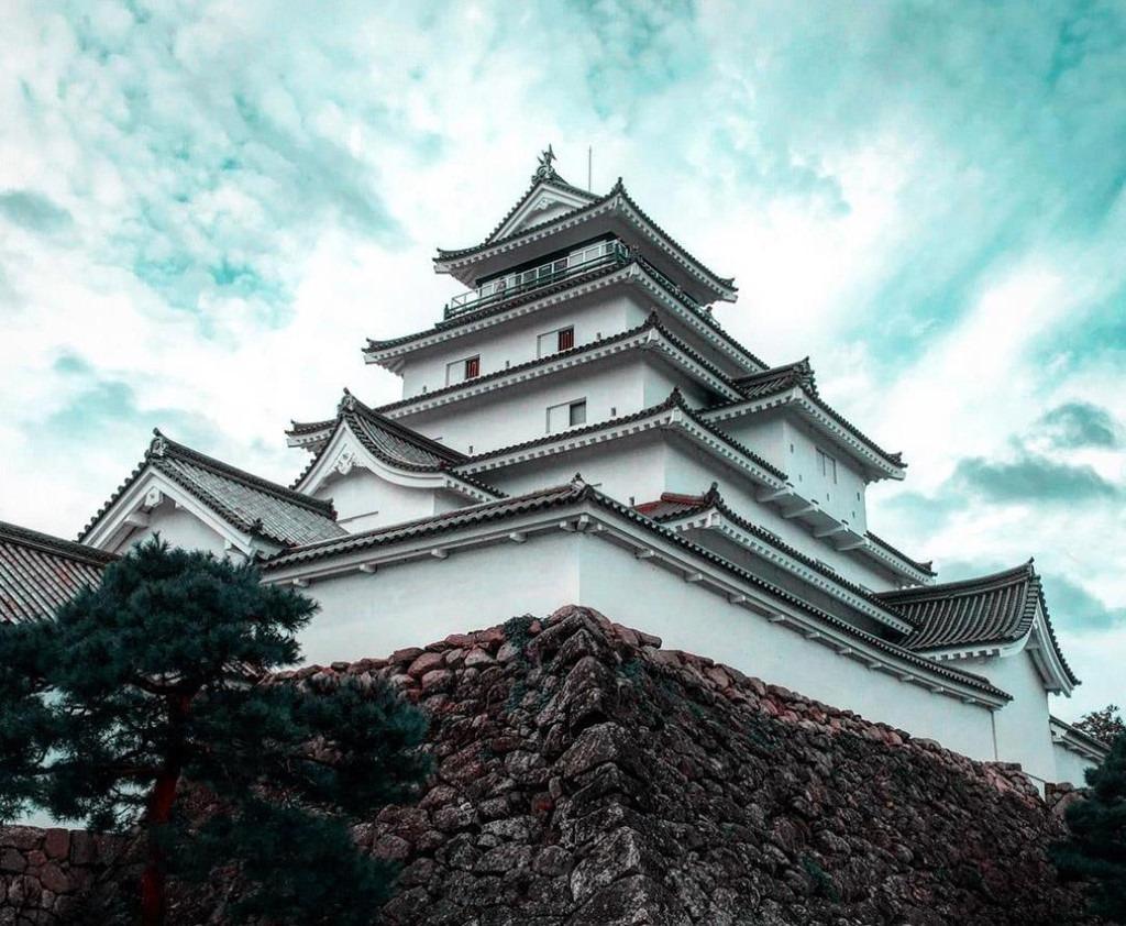 Lâu đài Tsuruga nổi tiếng là địa điểm tổ chức các sự kiện lớn nhỏ ở Fukushima. Ảnh: Supato, jironando, minisenamini, aumo.