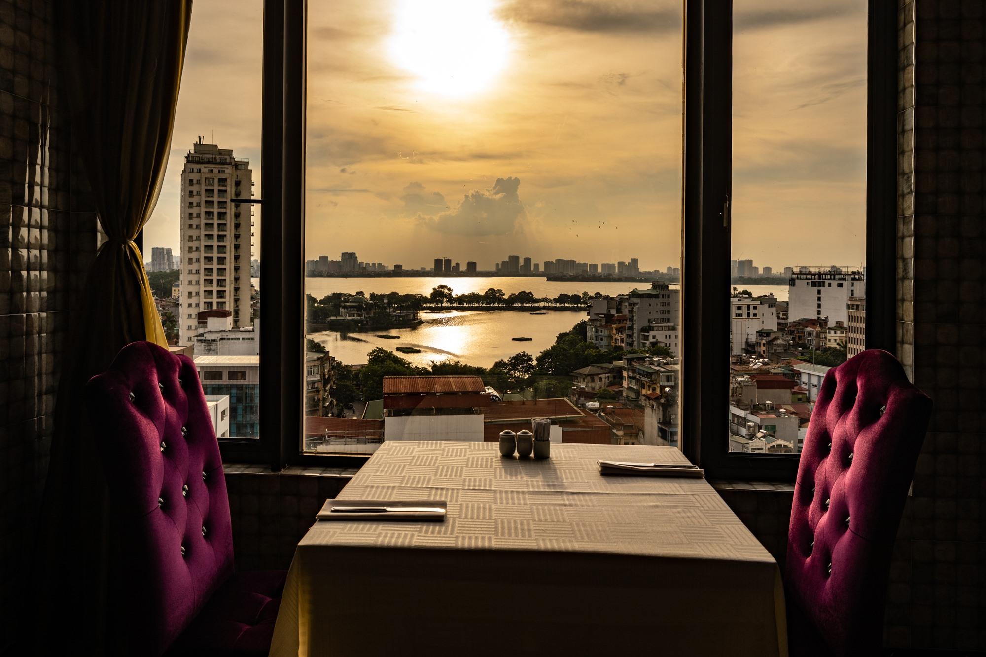voucher 3n2Đ tại khách sạn flower garden hà nội + vé máy bay + tour