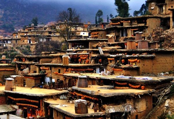 Ngôi làng cổ Chengzi ở thị trấn Yongning, phía namQianxi, thuộc tỉnh Vân Nam (Trung Quốc) cuốn hút du khách bởi lối kiến trúc đậm nét địa phương từ lâu đời. (Ảnh: Yunnan)