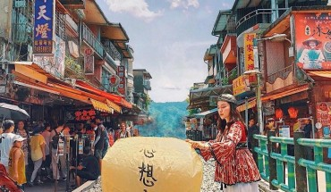 tour-dai-loan-4N4Đ-dai-bac-dai-trung-gia-nghia-cao-hung-chi-voi-9990000-dong-khach-ivivu-5