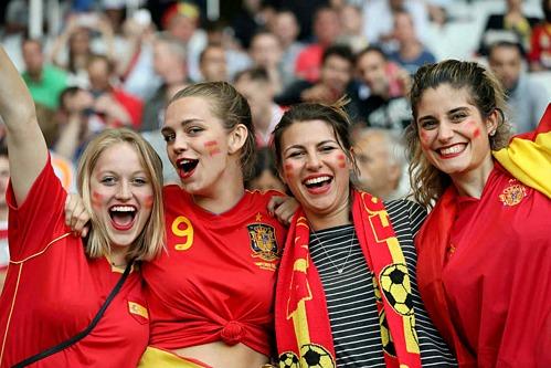 Bóng đá Tây Ban Nha thu hút đông đảo người hâm mộ trên khắp thế giới. Ảnh: Novi.